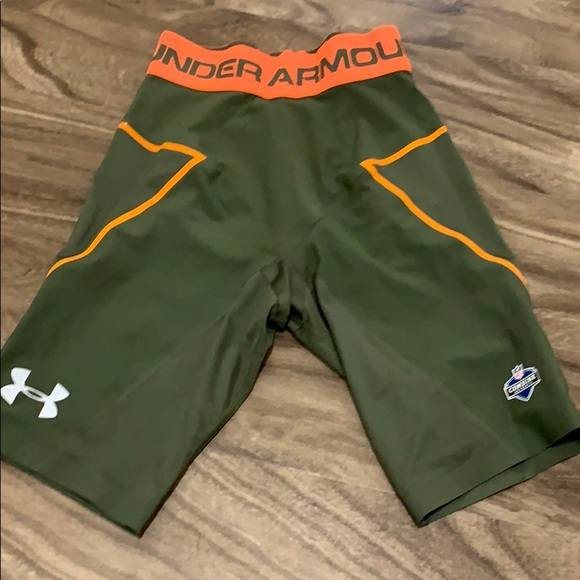 Under Armour Other - Under Armour compression shorts